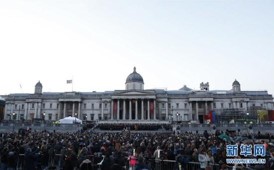 (国际)(1)英国伦敦:烛光寄哀思