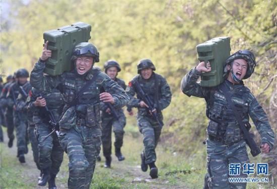 """武警福建总队开展""""魔鬼周""""极限训练(组图)"""