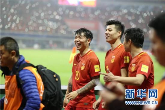 世界杯预选赛中国队1:0力克韩国是送给球迷最