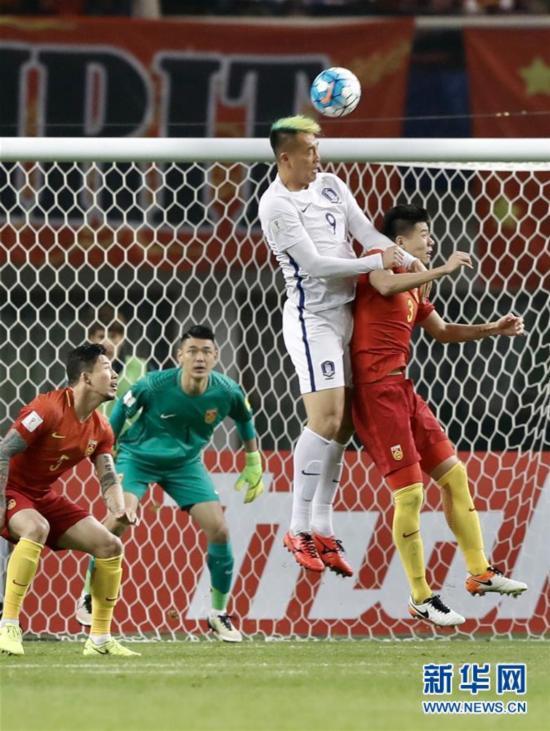 世预赛:中国队1:0战胜韩国队(组图)