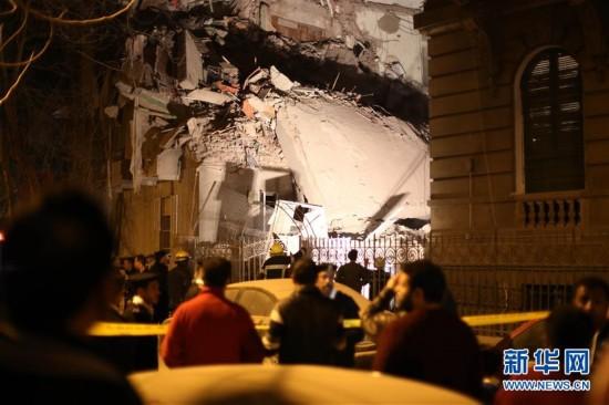 (国际)(1)开罗发生塌楼事故 至少9人受伤