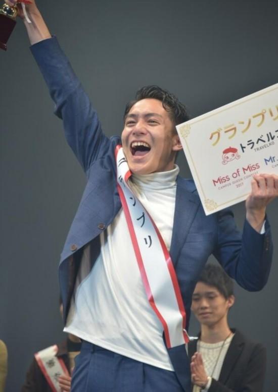 日本选出2017最美女大学生和最帅男大学生摸乱美女图片