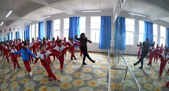 藏乡学子学习忙