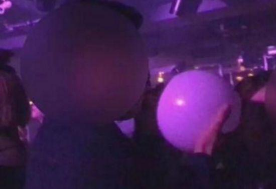 女子吸嗨气球发疯且国外曾死亡多人 嗨气又称笑气主要是什么成分?