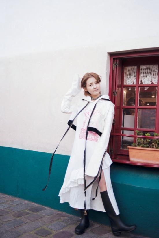 张子枫拍摄《推理笔记》 最新大片复古造型艺术气息浓厚