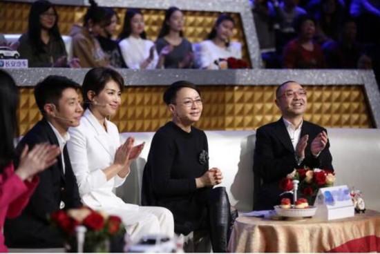 WORD丹丹 宋丹丹回央视舞台同框刘涛 让人飙泪满满的幸福感 图片 52367 550x368