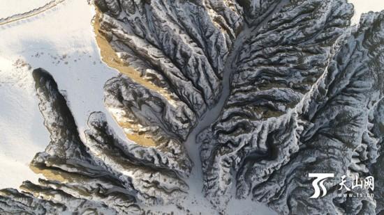 绝美独山子大峡谷航拍(组图)