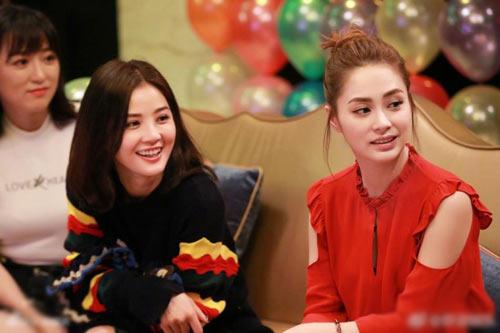 Twins蔡卓妍钟欣潼合体超养眼 童颜美少女年过30无痕迹