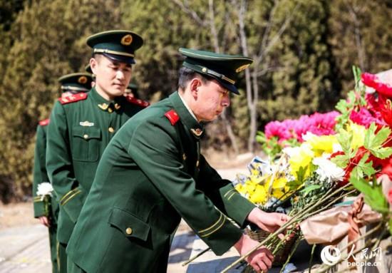 辽宁海警开展清明祭扫革命先烈活动