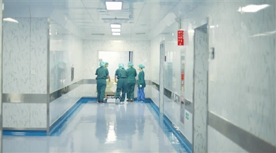 津城麻醉医生883人 一个麻醉大夫干四个人的活