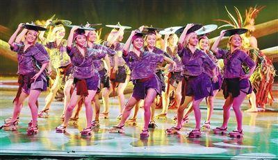 《诺玛阿美》精彩上演,让海南省歌舞剧院成了舞蹈的海洋,也让椰城观众感受到了大型民族舞剧的醇美韵味。