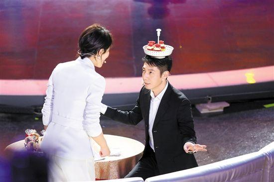 """撒贝宁转型""""综艺魔王"""" 首当评委一脸""""蒙圈"""""""