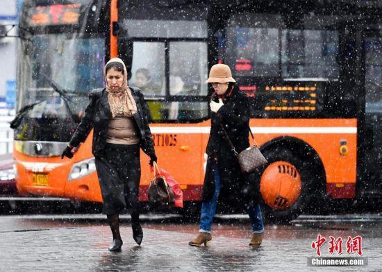 清明节乌鲁木齐迎降雪