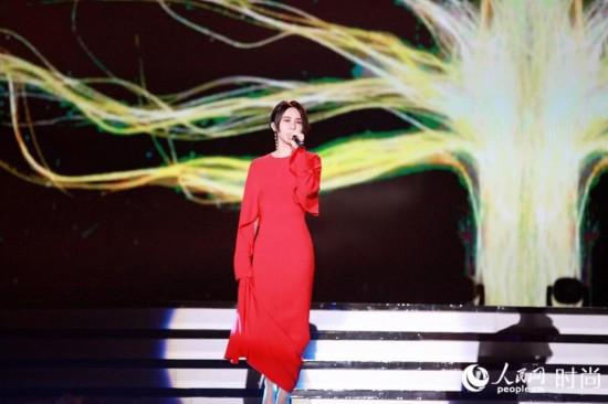尚雯婕再获最佳女歌手 音乐风云榜封后