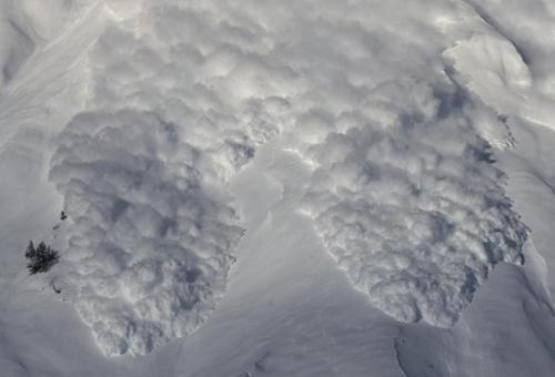 资料图片:雪崩