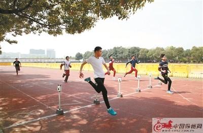 徐州:三色智能卡让体育中考更公平公正