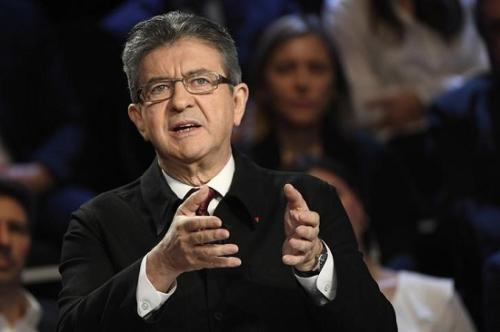 2017年4月4日,法国总统候选人梅朗雄参加电视辩论。