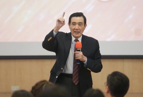 """马英九再谈服贸协议仍躺""""立法院"""":想起来很呕"""