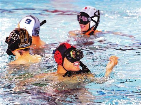全国水下曲棍球精英赛苏州开赛 比赛为期三天
