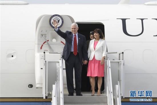 美国副总统迈克・彭斯访问韩国(组图)
