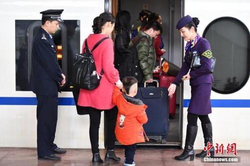 中国高铁迎来第一次跨省调价 将呈现差异化、有涨有降