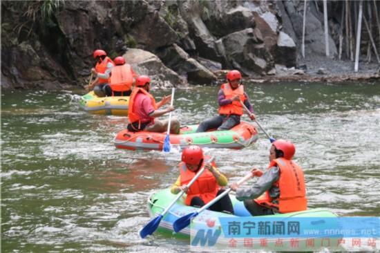 汉江欢乐谷漂流 赏山涧美景      武鸣区两江镇大明山周边溪流无数