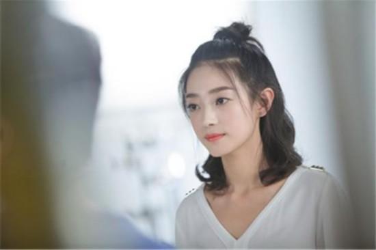 率性女孩儿王艺诺 敢于尝试新戏期待更多不可能