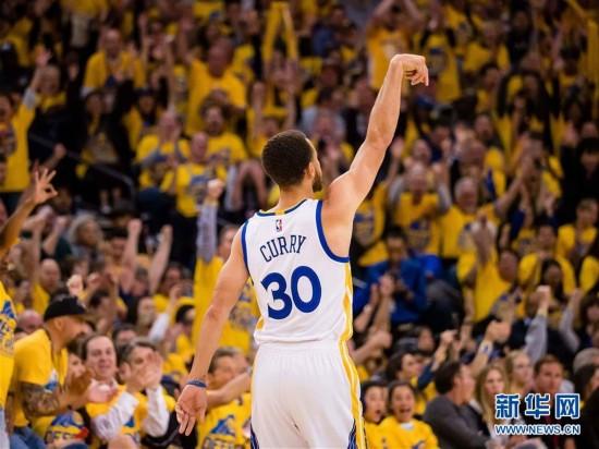 (体育)(1)篮球――NBA季后赛:勇士胜开拓者