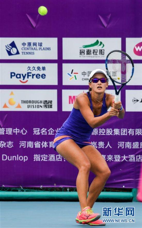 (体育)(5)网球――郑州女子网球公开赛:段莹莹晋级