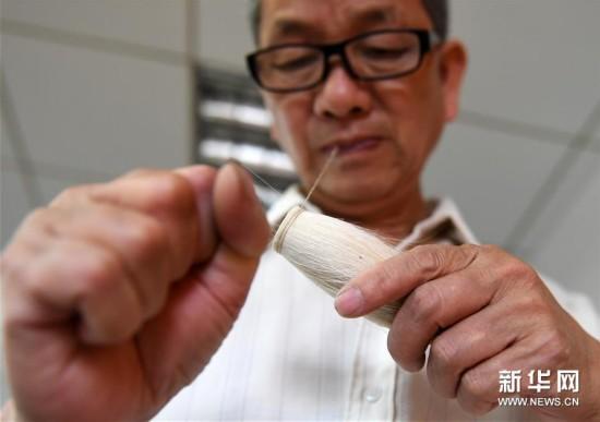 (图片故事)(8)一支毛笔传承的百年工匠精神