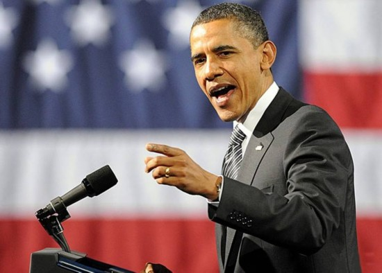 奥巴马卸任后重返公众舞台 现身芝加哥大学演讲