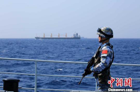 中国海军第二十六批护航编队接替执行护航任务