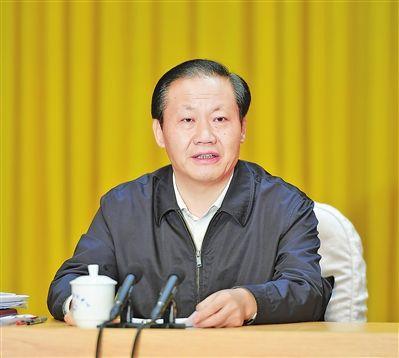广西投资和项目建设工作会议在贵港市召开