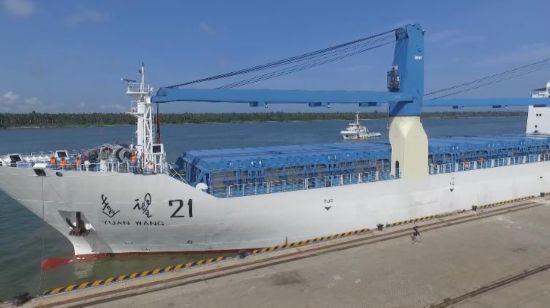 中国第二发长征五号火箭运抵文昌 计划6月升空