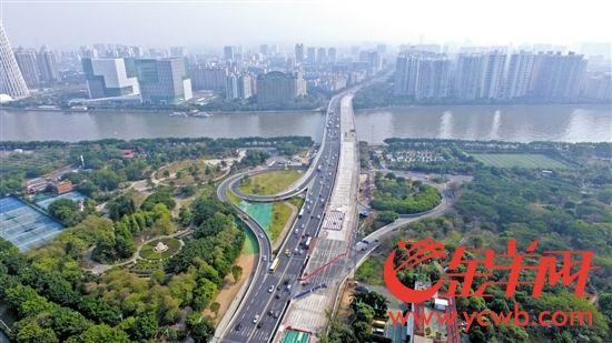 2017年3月,记者用无人机航拍的广州大桥新貌