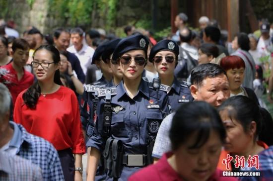 西湖女子巡逻队成西湖景区新名片