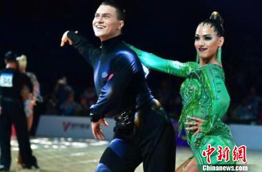世界顶尖舞者齐聚石家庄建议中国舞者完善细节