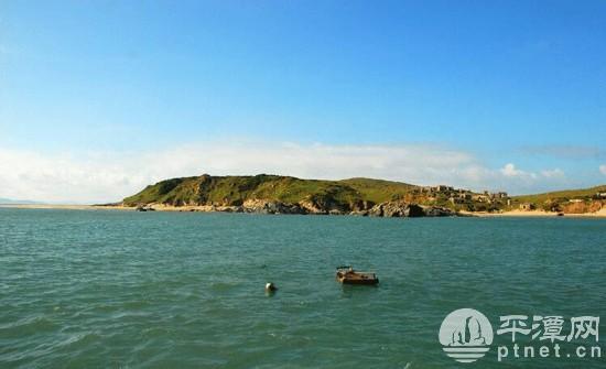 东甲岛,是福建省平潭最南端海域临近台湾海峡的一座远离大陆的偏僻