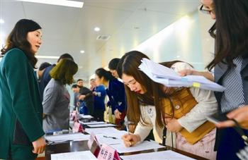 展示典型风采 创业富民巡回宣讲走进泰州靖江