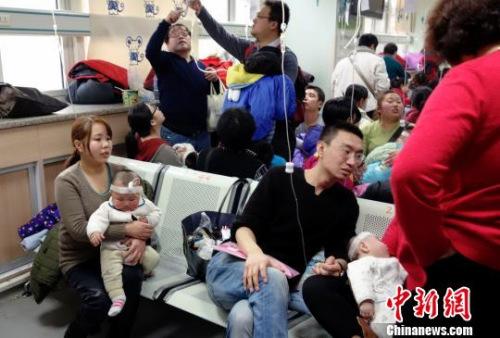 北京医改新政实施满月三级医院总门急诊量降15.1%