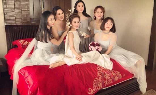 刘亦菲再当伴娘美翻天!为大学同学做伴娘 被夸比新娘还美