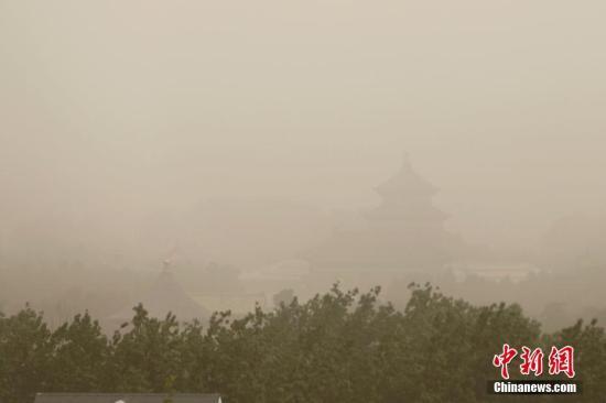 新疆喀什度过有气象记录以来沙尘天最少春季