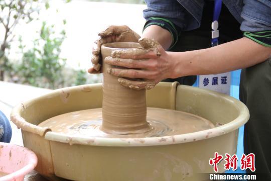 安徽界首彩陶:古老釉色如今更多彩