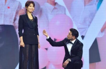 小包总杨烁求婚刘涛 《欢乐颂2》中小包总和安迪的感情将会隆重登场