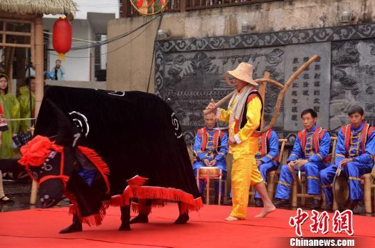 """湖南汝城畲族欢庆""""三月三""""激活节会旅游经济"""