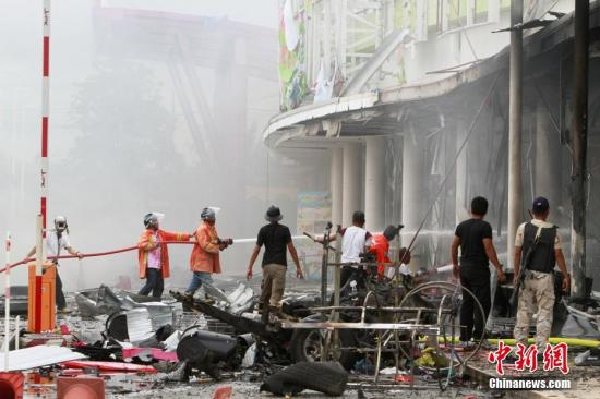 据报道,泰国《世界日报》称,两次爆炸导致至少35人受伤。