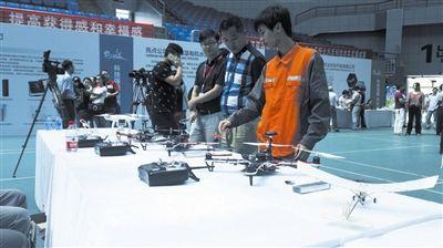 三亚第十三届科技月活动开幕 邀请市民体验