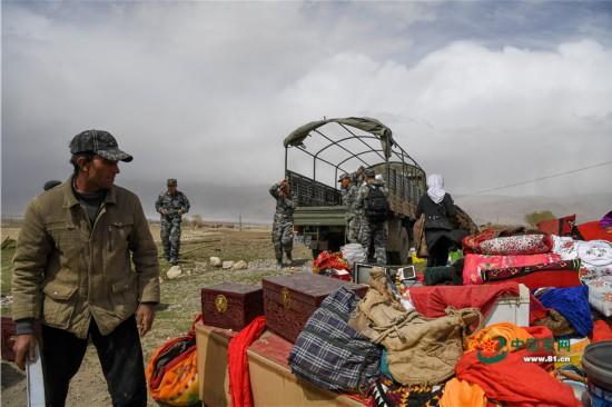 新疆塔什库尔干县地震 边防官兵紧急救援