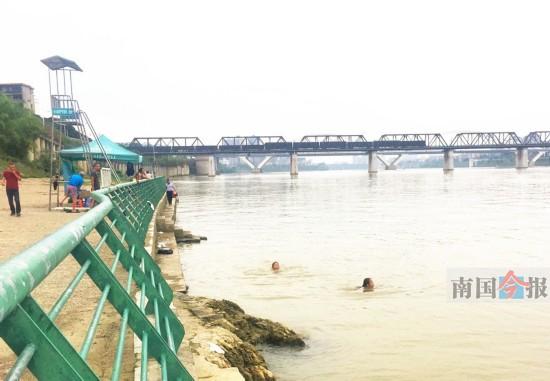 学生溺水事故频发敲警钟 儿童无监护不得擅自下河