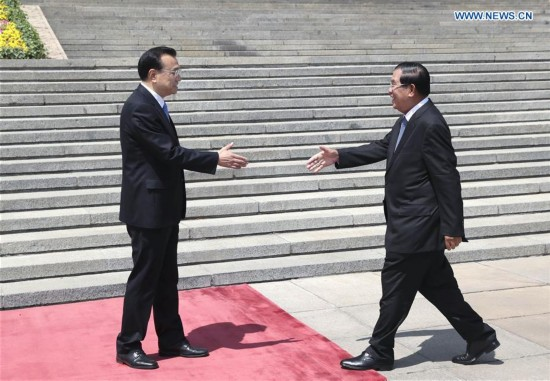 Chinese premier meets with Cambodian PM in Beijing